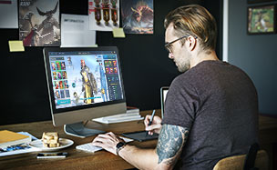 Playing Raid on desktop and mobile
